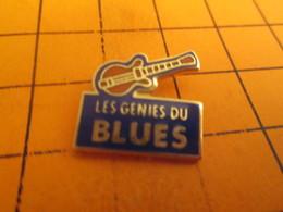 713b Pin's Pins / Beau Et Rare : Thème MUSIQUE / GUITARE ELECTRIQUE LES GENIES DU BLUES - Musique