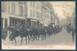 Militaria Militaires Régiment Artillerie Anglaise Traversant Un Village - Regimientos
