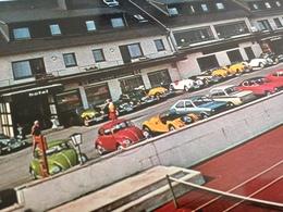 BUNTE OLDTIMER-PARADE - KUR- + SPORTHOTEL KIRCHMEIER - WINTERBERG-ALTASTENBERG - 1970er - Deutschland