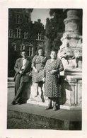 LOT De 4 PHotos Au Château De Gaesbeek Ou Gaasbeek à Lennik Belgique Années 1950 Visiteurs Cour Parc - Orte