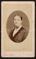 Photo / Carte De Visite / CDV / Femme / Woman / Photographer / Ghémar Frères / Bruxelles / 2 Scans / 1878 - Foto's