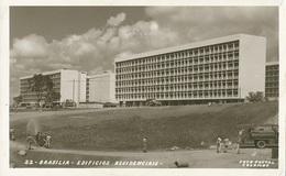 Brasil, Brasília. Edifícios Residenciais. Foto Postal Colombo, N.22 - Brasilia