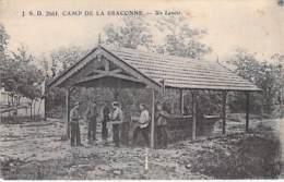** Lot De 10 Cartes ** MILITARIA ( Caserne / Camp ) DIVERS CAMPS ... Toutes Scannées Au Recto - CPA - - Barracks
