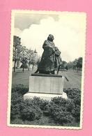 C.P. Mechelen = Schuttersvest.  Standbeeld De VLUCHT Voor Het  Oorlogsgeweld 19410-1944 - Malines