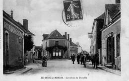 LE BREIL SUR MERIZE ( 72 ) - Carrefour Du Dauphin - France