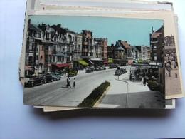 België Belgique West Vlaanderen De Panne Met Zeelaan En Oude Auto's - De Panne