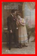 CPA  COUPLES.  Suave Rêverie. Jolie Femme Et Son Amoureux..J480 - Coppie
