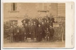Photographie Ancienne Groupe De Notables Amis Du Comte De Gourdon Photographe Cardinal Vannes Morbihan - Oud (voor 1900)