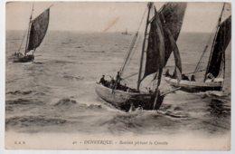REF 371 : CPA 59 DUNKERQUE Barques Péchant La Crevette - Dunkerque
