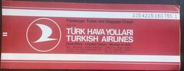 Turkish Airlines Ticket Istanbul Budapest 1989 - Billetes De Transporte