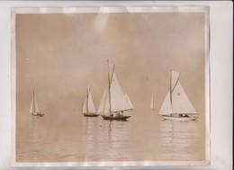 YACHTING DAYS KINGSTON REGATTA DUBLIN SEVENTEEN FEETERS 25*20CM Fonds Victor FORBIN 1864-1947 - Barcos
