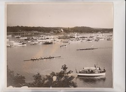 YALE CREW BEATS HARVARD ON THAMES  NEW HEAVEN COLLEGE CAMBRIDGE   25*20CM Fonds Victor FORBIN 1864-1947 - Barcos