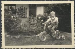 Enfant Et Petit Vélo   Photo Originale - Anonymous Persons