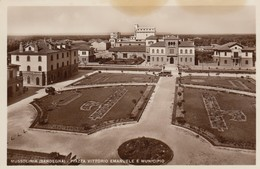 Sardegna - Oristano - Arborea - La Piazza Vittorio Emanuele -- Molto Bella - F. Piccolo - Italia