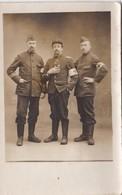 3 Soldats Du 6ème Régiment D'Infanterie Territoriale - Basé à Béthune (59) - Croix-Rouge- Carte Photo - Regiments