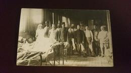 B1/carte-photo -groupe De Militaires Et Une Infirmière - Photos