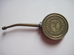 Très Ancienne Burette A'huile. Machine à écrire En Cuivre Breveté SGDG TBE - Werkzeuge