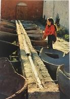 (658) Peru - Arequipa - Monasterio De Santa Catalina - Laundry - Meisje Met Lang Haar. - Pérou