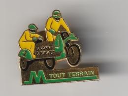 Pin's MOTO TOUT TERRAIN - SIDE CAR CROSS - Champions = G. VANET Et B. BOUVET - Motos