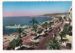 """>> 06 - NICE: La Promenade Des Anglais Et La Baie Des Anges  - 1954 - Colorisée - Bateau """" Gallus """" - - Nice"""