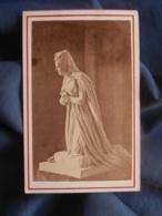 Photo CDV Achille Quinet à Paris - Paris Cathédrale Saint Denis Statue Marie Antoinette Circa 1875 L446 - Photographs