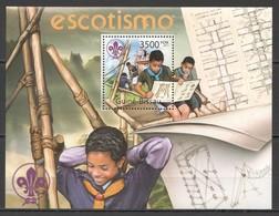 BC675 2011 GUINE GUINEA-BISSAU SCOUTISM SCOUTING BOY SCOUTS ESCOTISMO BL MNH - Scoutisme