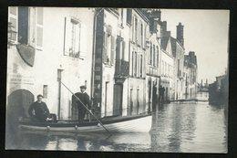 44 CPA ANCENIS CARTE-PHOTO - INONDATIONS 1910 - RUE DES TONNELIERS  - CANOE BATEAU ANIMATION++++ - Ancenis