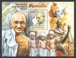BC682 2011 GUINE GUINEA-BISSAU GREATEST HUMANISTS TRIBUTE TO MAHATMA GANDHI 1BL MNH - Mahatma Gandhi