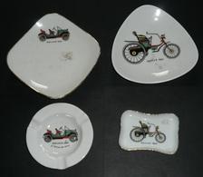 Lot 4 Vides-poches En Céramique émaillée De Limoges, Décors Tacots Traction, Daimler 1892 Oakland 1909 - Limoges (FRA)