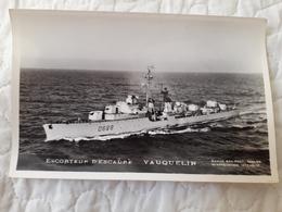 Bateau De Guerre Vauquelin - Warships