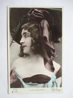 LUCIE  JOUSSET         PHOTO REUTLINGER               TTB - Entertainers