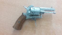 Vieux Pistolet à Broche - Armes Neutralisées