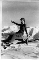 PHoto D'une Femme En Montagne La Neige Tout Autour A Identifier - Plaatsen