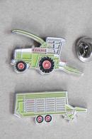 Pin's - Agriculture - Engins Agricoles Moissonneuse Batteuse Et Tracteur CLAAS - Altri