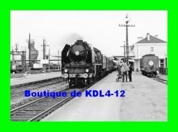 AL 517 - Train - Loco 141 P 119 En Gare - LAVAL - Mayenne - SNCF - Laval