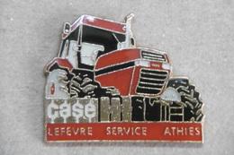 "Pin's - Agriculture - Engin Agricole Tracteur ""CASE"" LEFEVRE SERVICE ATHIES - Altri"