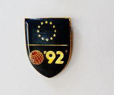 Pin's Blason Europe Séville 92 - RE/01 - Pin's