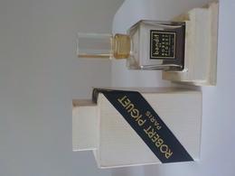 Flacon Ancien Dans Coffret Robert Piguet Bandit 1ère Taille Sans Doute - Miniatures (avec Boite)