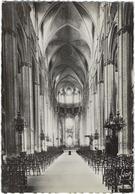 18  Bourges La Cathedrale  La Grande Nef - Bourges