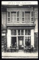 CPA ANCIENNE FRANCE- LOCHES (37)- CAFÉ DE LA PLACE- TRES GROS PLAN DE FACE AVEC ANIMATION-  VERS 1900 - France