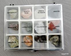 Boîte De 12 Minéraux  ( Pierres) - Minéraux