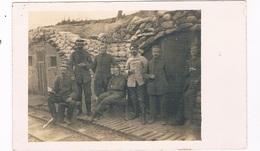 OOR-34   Soldiers Sitting In Their Trench (Schutzengraben, Loopgraaf) - Guerra 1914-18