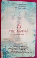 Four Seasons Paris - Hotelsleutels (kaarten)