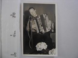 Photo MUSICIEN ACCORDEON Emile Prud'Homme Studio AUZANOT - Famous People
