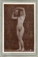 CPA - Photo érotique : Femme NUE , Artistique, La Porteuse D'eau, Aiselles épilées, Début Du Siècle - Fotografie