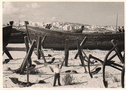 95Bv    Photo (17.5cm X 12.5cm) Maroc Tanger Dépot Des Barques Bateaux Et Ancres - Tanger