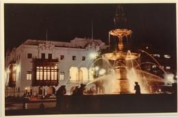 (693) Peru - Lima - Town-Hall And Fountain - Plaza De Armas - Pérou
