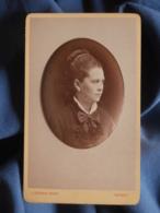Photo CDV J. Caron à Nancy - Portrait Embossé, Jeune Femme,  Circa 1875 L454 - Ancianas (antes De 1900)
