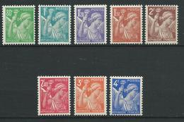 FRANCE 1944 . Série N°s 649 à 656 . Neufs ** (MNH) - France