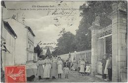 17 Cozes  Entree Du Jardin Public  Et Le Bureau De La  Poste Et Telegraphe - Francia
